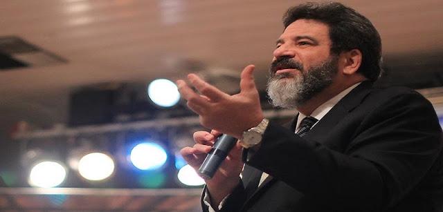 """""""Quem é simpático demais é chato"""", afirma Mario Sergio Cortella"""
