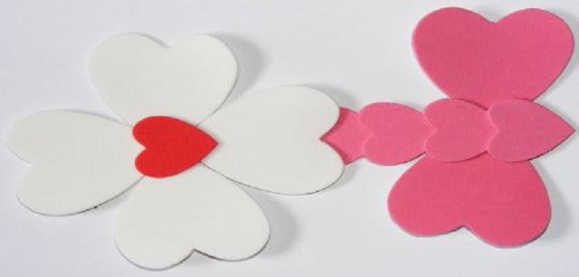 Lembrança para o dia da mulher: Flor com coração em EVA