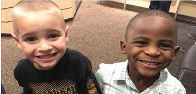 Menino corta o cabelo igual do amigo para tentar enganar professora e dá lição contra racismo