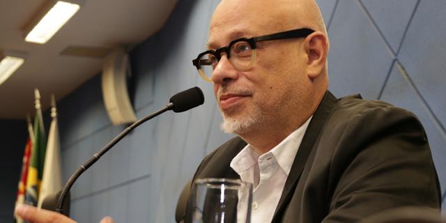 """""""Doutor é quem faz doutorado"""" por Luiz Felipe Pondé"""