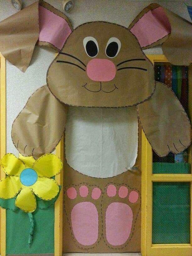 Decoração coelho de páscoa para a porta da sala de aula