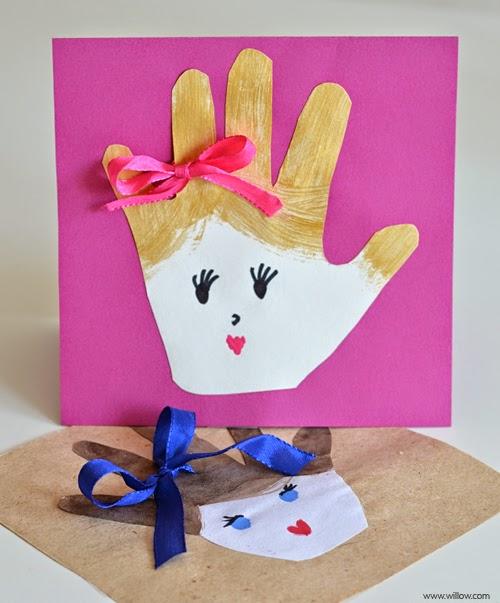 Aproveite o Dia das Mães para explorar a criatividade das crianças, e crie lindos cartões com carimbo dos dedinhos.