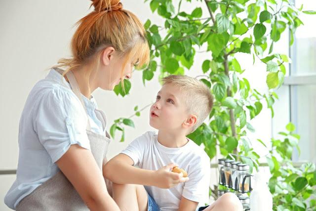 A importância de escutar a criança sem interromper