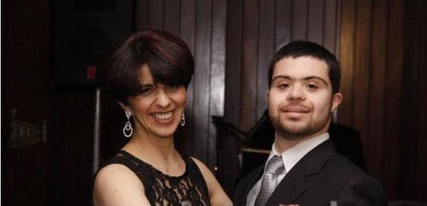 Mãe comemora a 2ª formatura de filho com Down: 'Superamos o preconceito'
