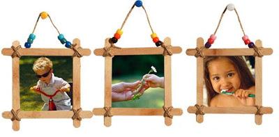 Lembrancinhas - Porta retratos feitos com palitos de picolé
