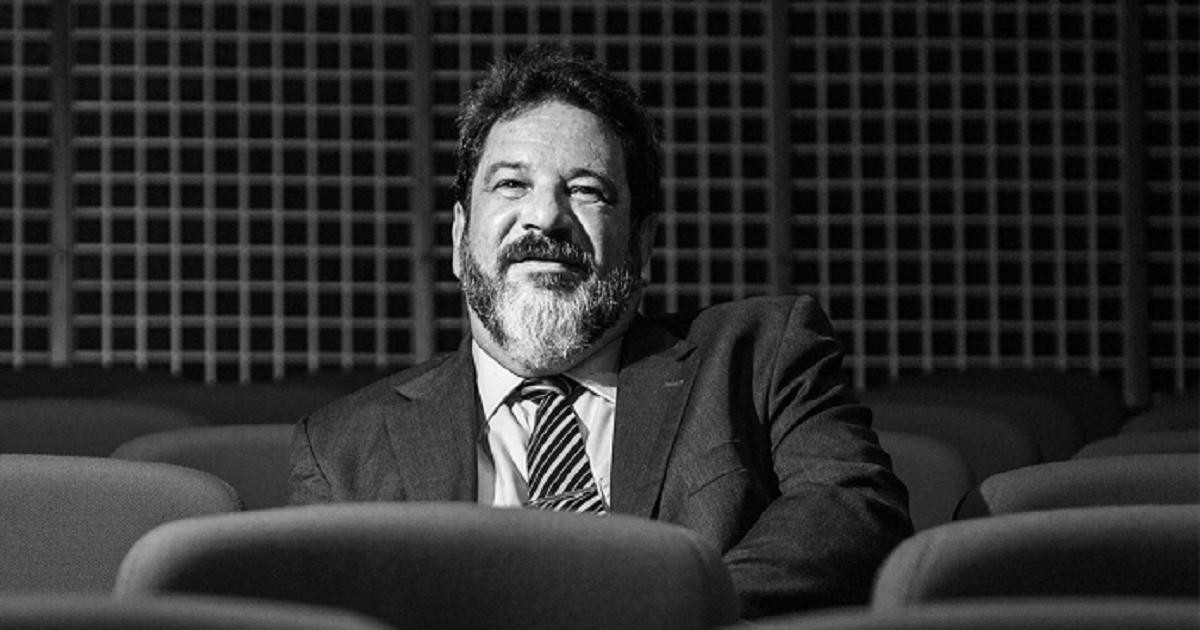 """""""A educação deve partir do que se sabe"""" por Mario Sergio Cortella"""