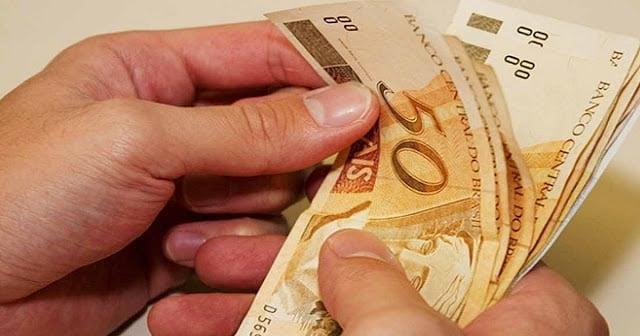 MEC libera R$ 927 milhões do salário-educação