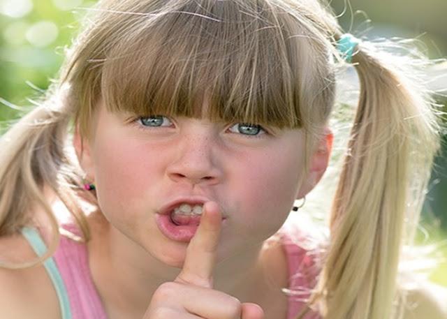 Como lidar com crianças que falam palavrões