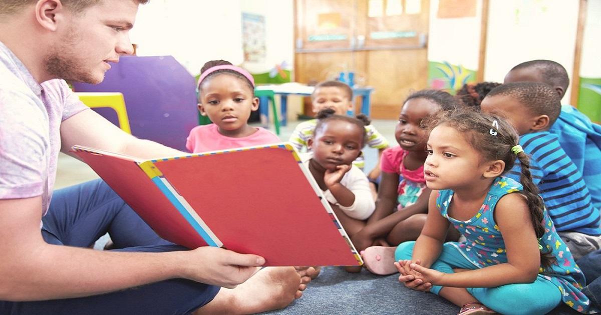 Por que há tão poucos professores homens na Educação Infantil?