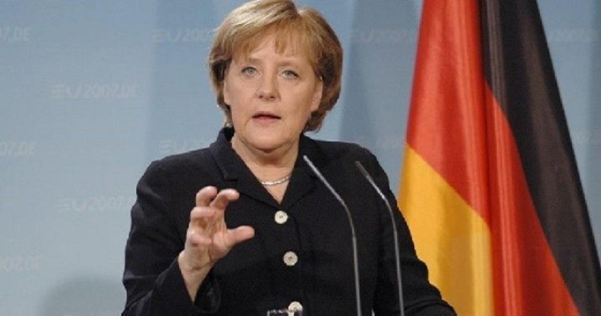 Angela Merkel diz que Professores recebem os maiores salários na Alemanha