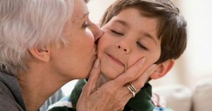 Crianças precisam de suas avós para crescerem felizes