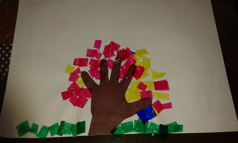 Ideias e Sugestões de atividades com papel celofane