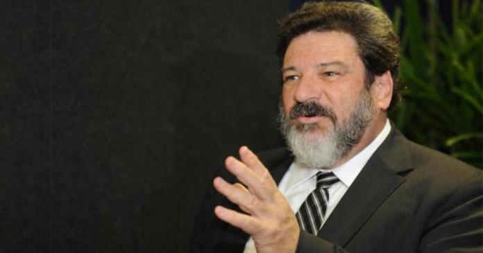 Pais covardes na educação dos filhos por Mario Sergio Cortella