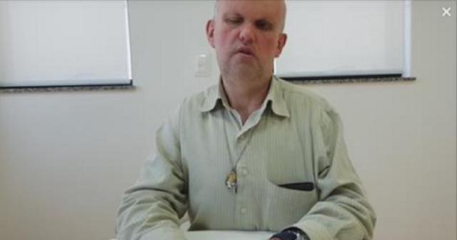 Professor cego paga para trabalhar na rede estadual de SP