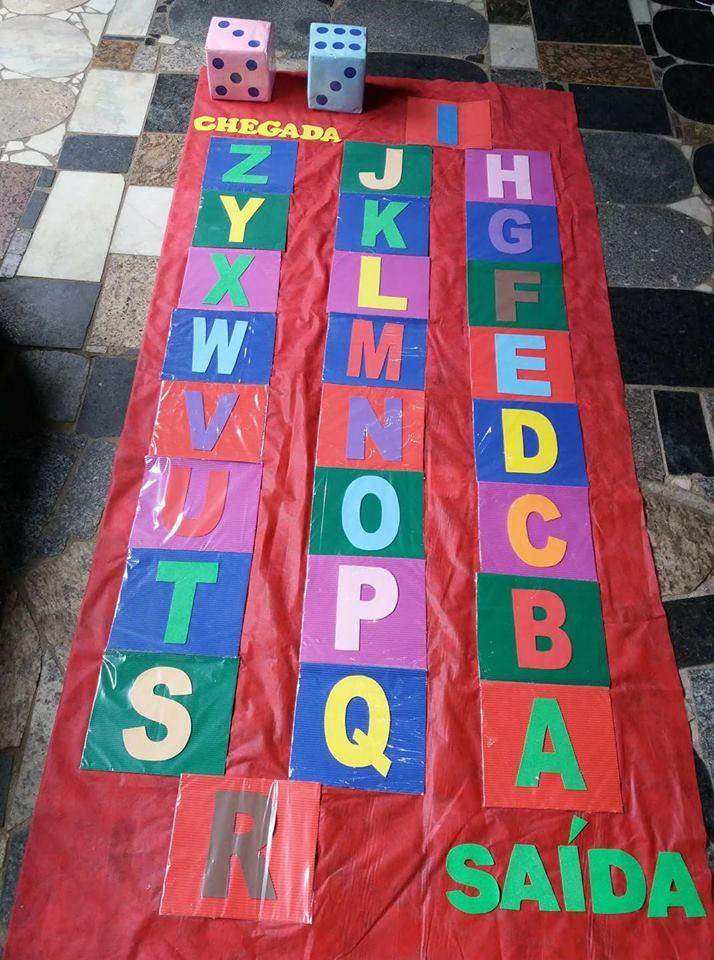 Trilha do alfabeto: Alfabetização de forma lúdica.