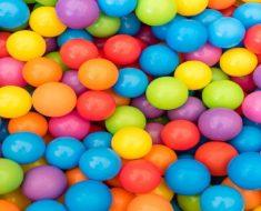 5 Jogos para ensinar cores a uma criança
