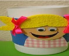 Porta canetas de sucata para o Dia das Crianças com vários moldes.
