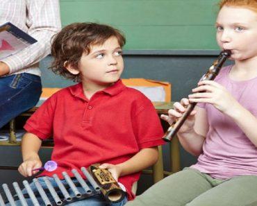 Benefícios educacionais das aulas de música