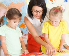 Como estimular a autonomia dascrianças na educação infantil?