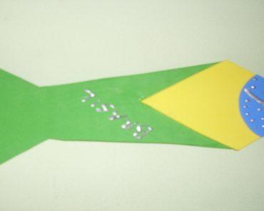 1 Lembrancinha de Dia da Bandeira de Gravatas com Moldes.