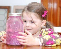 O pote da calma inspirado no Método Montessori para pais e filhos.