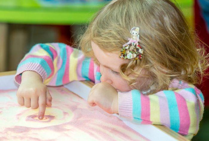 Vantagens e Desvantagens do Método Montessori