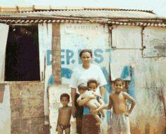 Ex-catadora de latinhas passa em concurso: ganha R$ 7 mil por mês