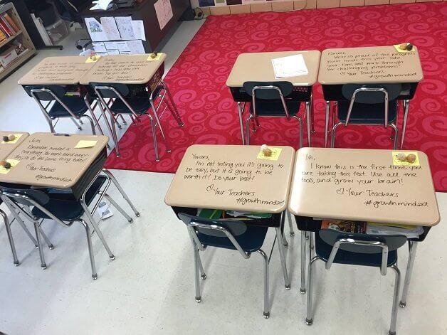 Professora deixa recados inspiradores para diminuir ansiedade dos alunos antes das provas