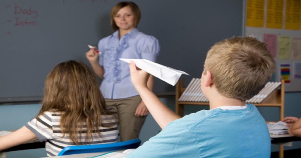 Qual é a dificuldade mais importante do aluno com TDAH?