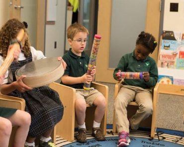 A música como terapia no ambiente escolar social e hospitalar
