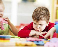 Como controlar o mau humor das crianças sem limitar sua inteligência?