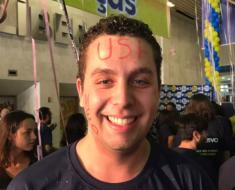 Ex-aluno de escola pública é aprovado em medicina na USP: Apoio da família