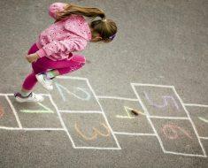 Infância - Brincadeira e Desenvolvimento