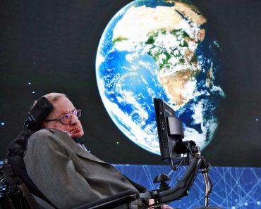 Stephen Hawking físico britânico morre aos 76 anos