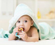 Bebês e movimento de acordo com a pedagogia montessoriana