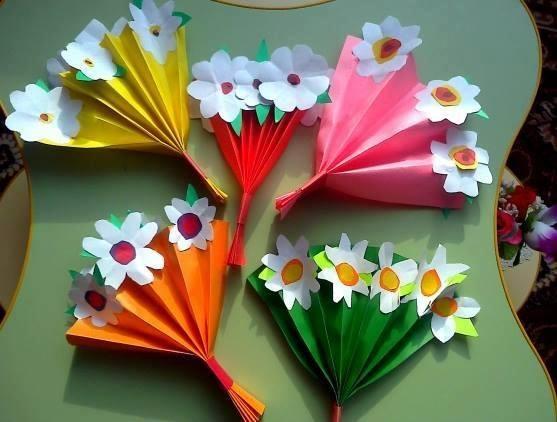 Lembrancinha Dia das Mães com flores de papel