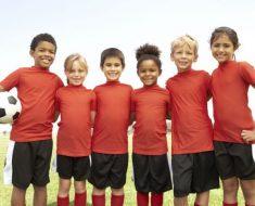 O que seus filhos aprendem em esportes coletivos