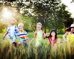 Os benefícios da amizade entre as crianças