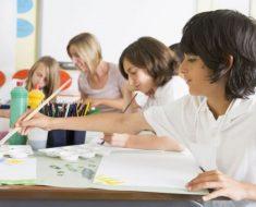 Sistemas educativos alternativos para crianças