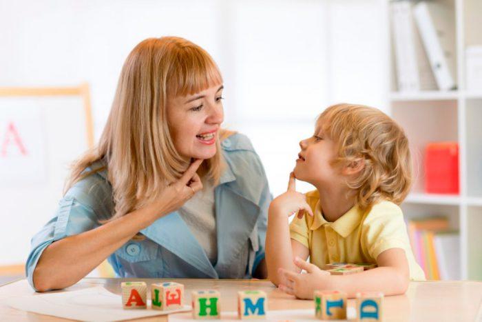Utilize o Método Montessori para ensinar as crianças a ler e escrever