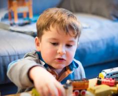 Os quatro excessos da educação moderna que perturbam as crianças