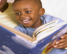 A criança que lê será um adulto que pensa