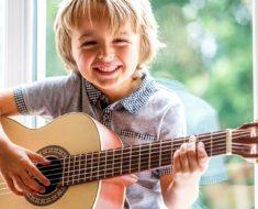 Tire o tablet do seu filho e dê a ele um instrumento musical