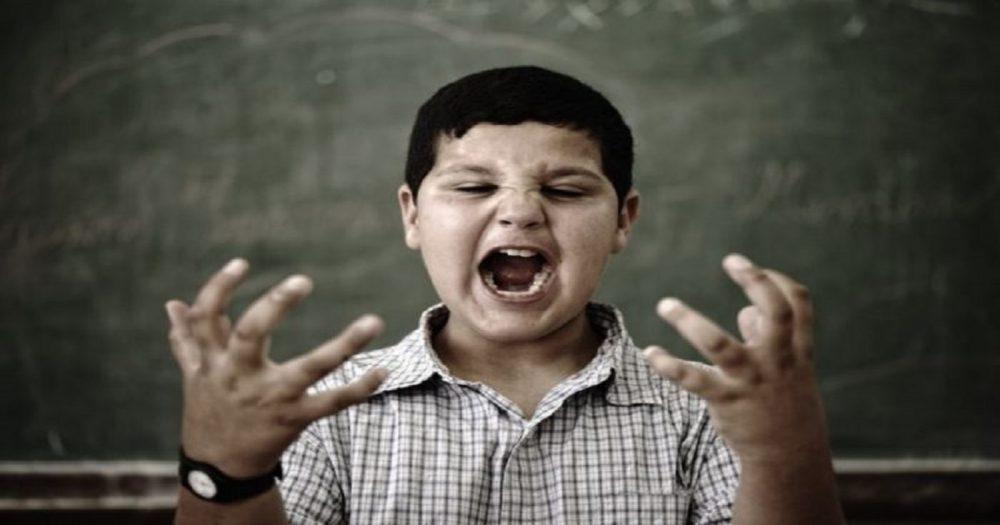 Como lidar com o mau comportamento de uma criança com autismo