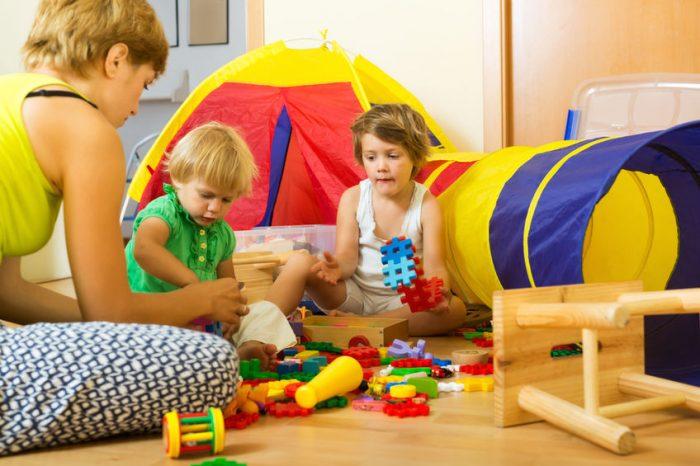 Jogo infantil de acordo com a idade da criança