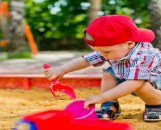 Os benefícios do jogo heurístico para crianças pequenas