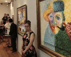 Artistas com Síndrome de Down exibem 36 obras em exposição