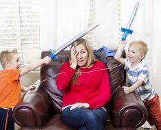 Exaustão extrema em mães que ficam em casa
