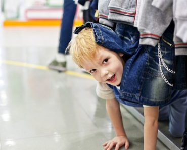 Pare de julgar os pais de crianças travessas