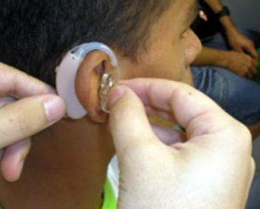 Jovens estão perdendo audição por causa de fones de ouvido.